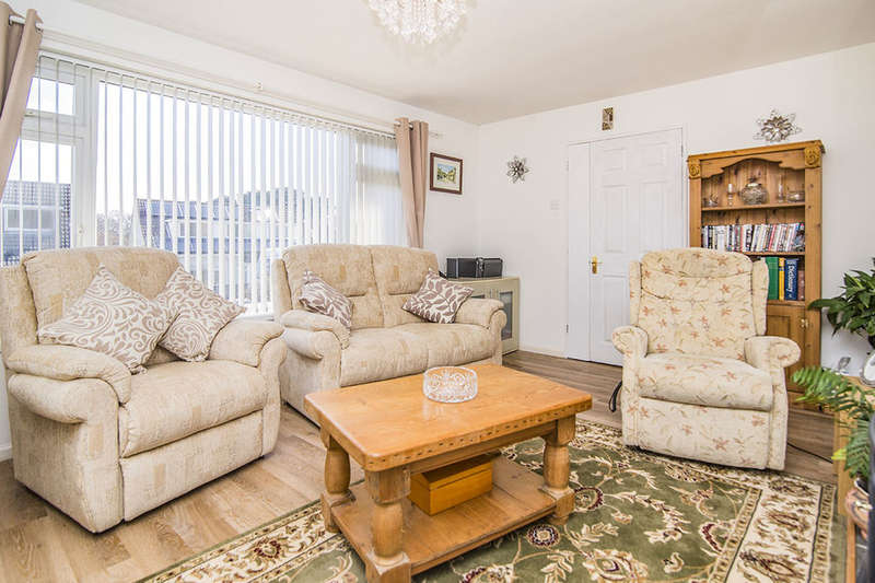 2 Bedrooms Detached Bungalow for sale in Southdown Road, Sticker, St. Austell, PL26