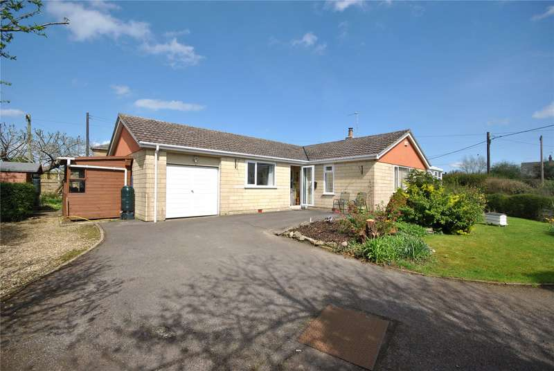 3 Bedrooms Detached Bungalow for sale in Back Street, East Stour, Gillingham, SP8