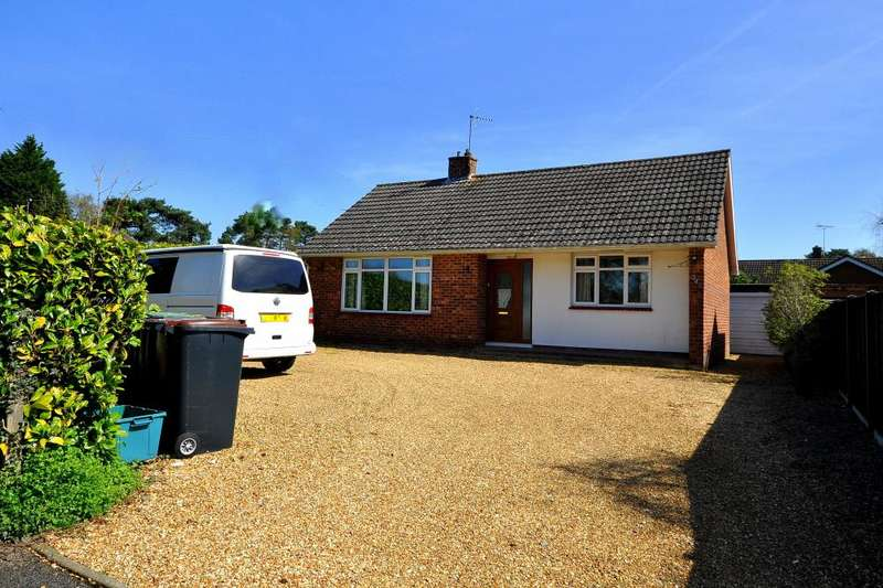 2 Bedrooms Detached Bungalow for sale in St Ives, Ringwood, BH24 2PF