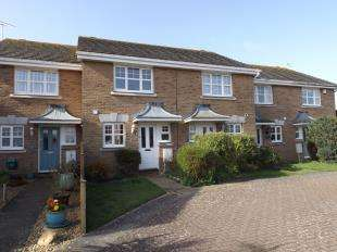 2 Bedrooms Terraced House for sale in Douglas Close, Middleton On Sea, Bognor Regis, West Sussex