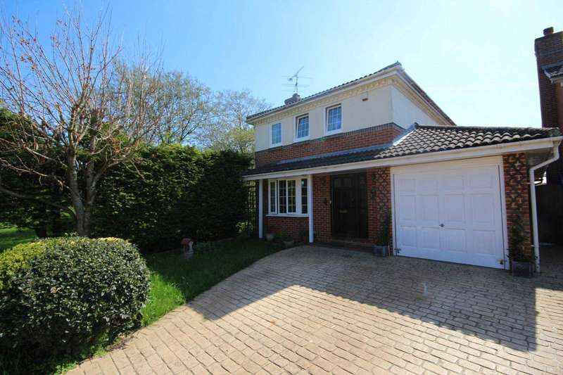 4 Bedrooms Detached House for sale in Wickham Vale, Bracknell