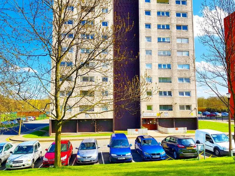 2 Bedrooms Flat for sale in BEACONVIEW ROAD, WEST BROMWICH, WEST MIDLANDS, B71 3PQ