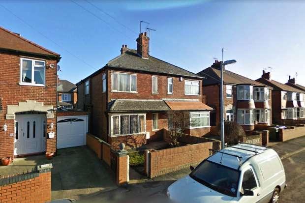 3 Bedrooms Semi Detached House for sale in Saint Stephen Road, Bridlington, East Riding, YO16 4DP