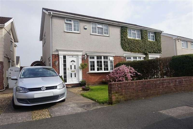 3 Bedrooms Semi Detached House for sale in Glyn Rhosyn, Swansea, SA4
