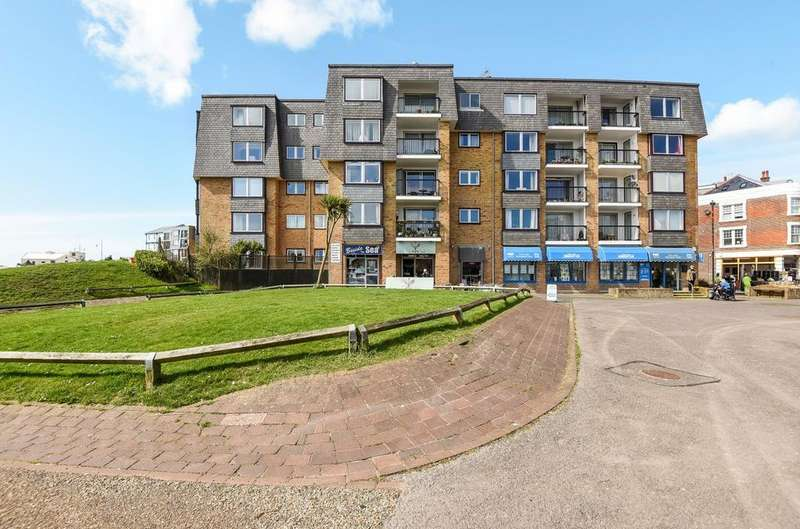 1 Bedroom Flat for sale in Mountbatten Court, Belmont Street, Bognor Regis, PO21