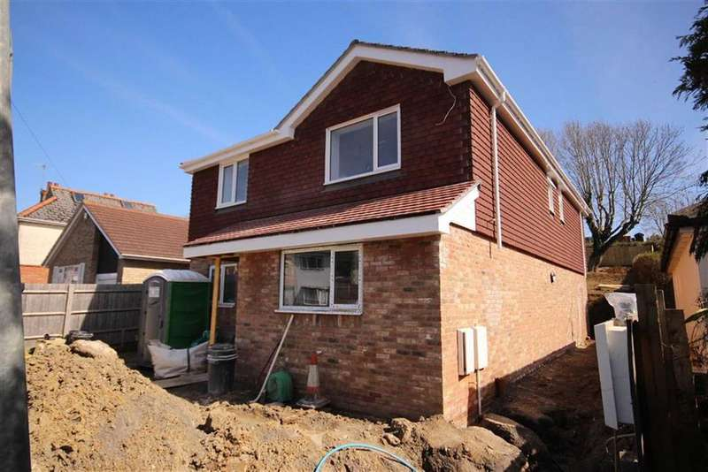 4 Bedrooms Detached House for sale in Vale Road, Seaford