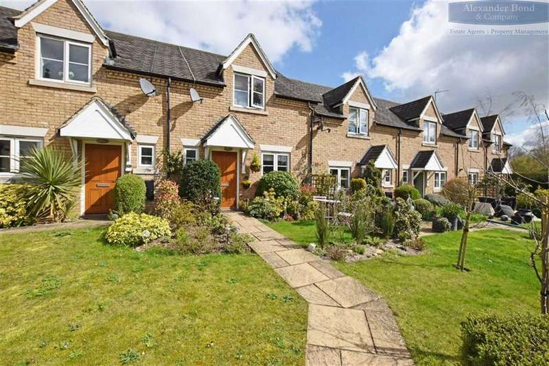 2 Bedrooms Terraced House for sale in Sacombe Mews, Stevenage, Hertfordshire, SG2