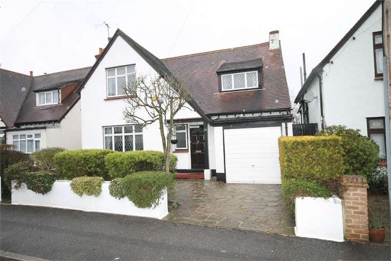 3 Bedrooms Detached House for sale in Demesne Road, WALLINGTON, Surrey
