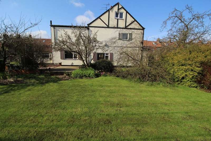 3 Bedrooms Detached House for sale in Etherington Lane, Driffield