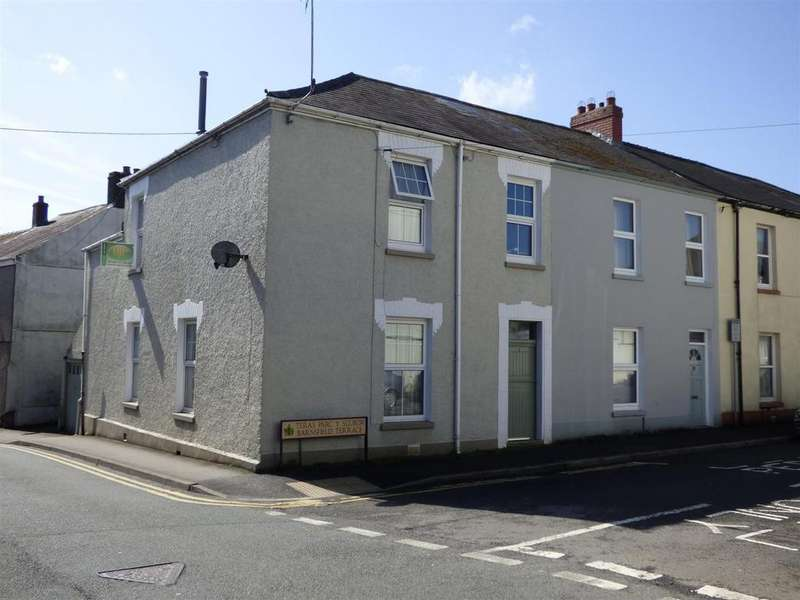 3 Bedrooms Semi Detached House for sale in Barnsfield Terrace, Carmarthen