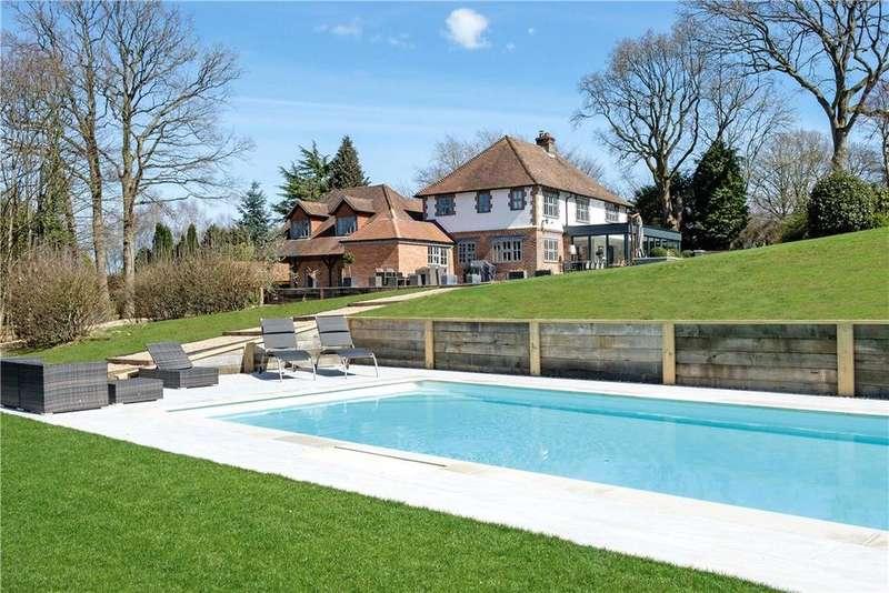 5 Bedrooms Detached House for sale in Green Lane, Churt, Farnham, Surrey, GU10