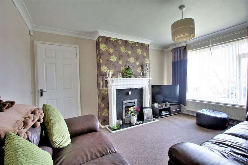 3 Bedrooms Semi Detached House for sale in Mackenzie Crescent, Burncross