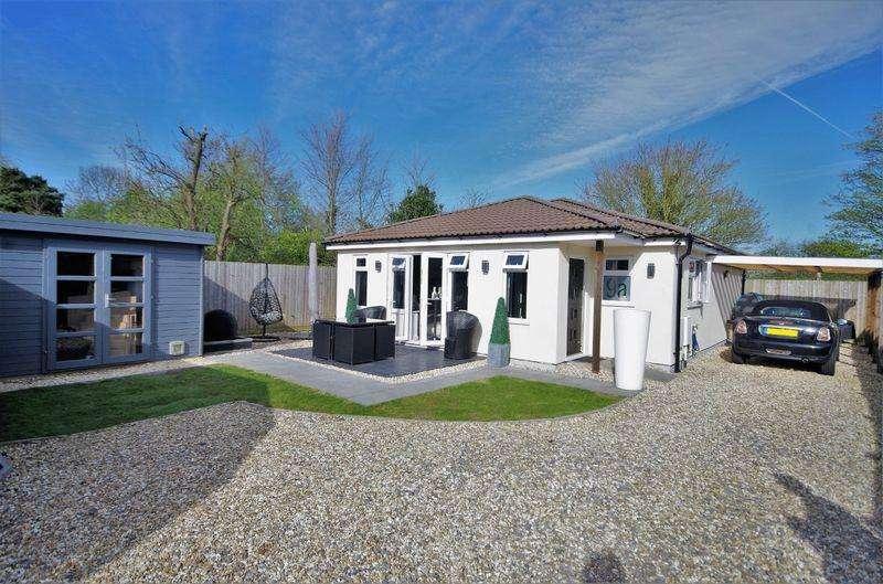 2 Bedrooms Detached Bungalow for sale in Redfield Road, Bristol