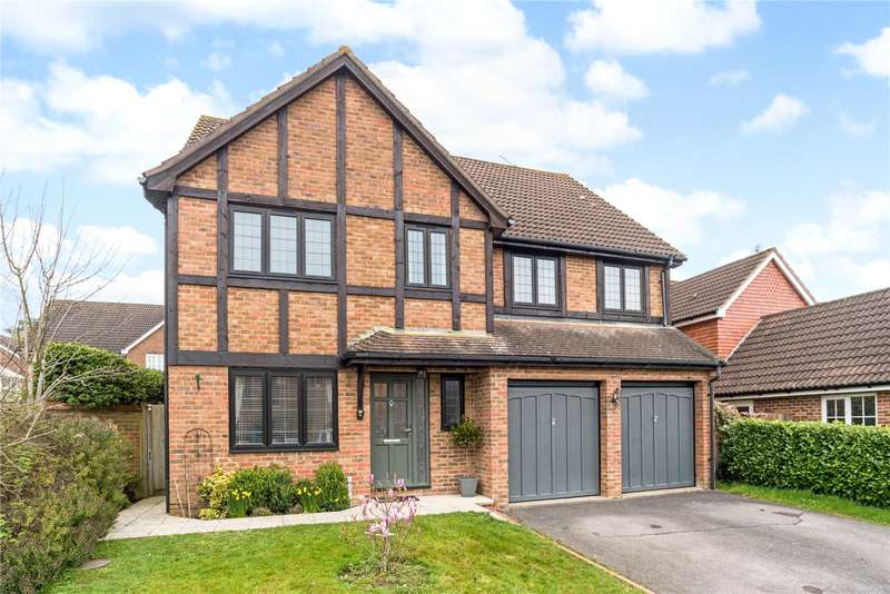 5 Bedrooms Detached House for sale in Quarterbrass Farm Road, Horsham, West Sussex, RH12