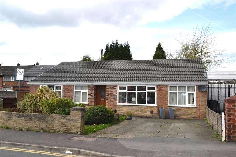 4 Bedrooms Detached Bungalow for sale in The Avenue, Leigh