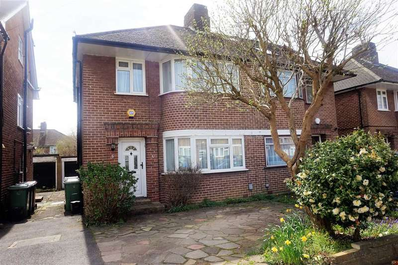 3 Bedrooms Semi Detached House for sale in Wychwood Close, Canons Park