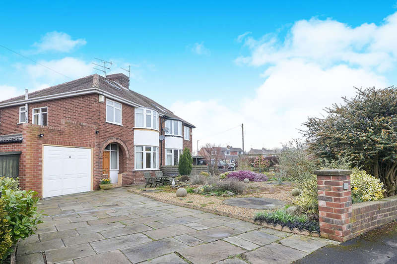 3 Bedrooms Semi Detached House for sale in Hilbeck Grove, York, YO31