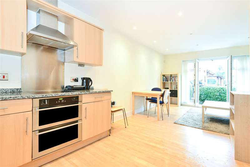 1 Bedroom Flat for sale in Compton Road, Wimbledon, SW19