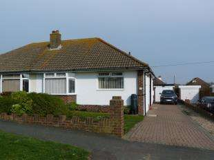 2 Bedrooms Bungalow for sale in Highview Road, Peacehaven, East Sussex