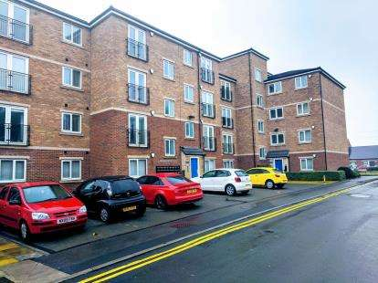 2 Bedrooms Flat for sale in Laburnum House, Coatham Road, Redcar, North Yorkshire