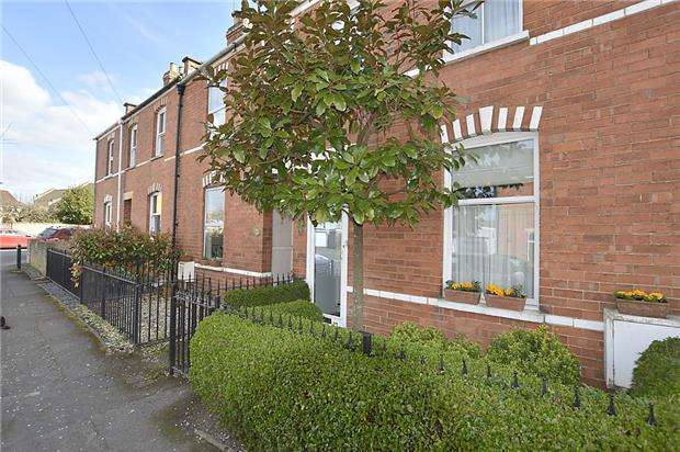 2 Bedrooms Terraced House for sale in Langdon Road, CHELTENHAM, Gloucestershire, GL53 7NZ