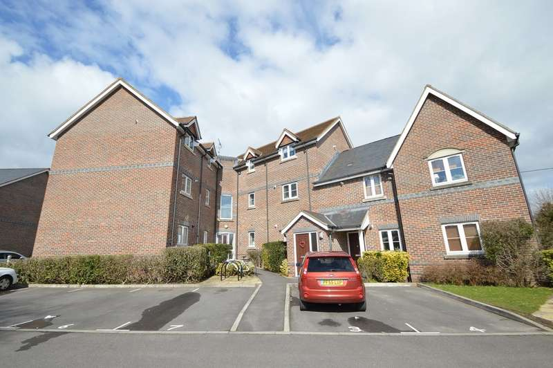 2 Bedrooms Flat for sale in Allbrook Hill, Eastleigh