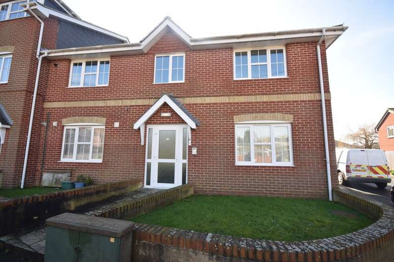 2 Bedrooms Flat for sale in Silcombe Lane, Freshwater