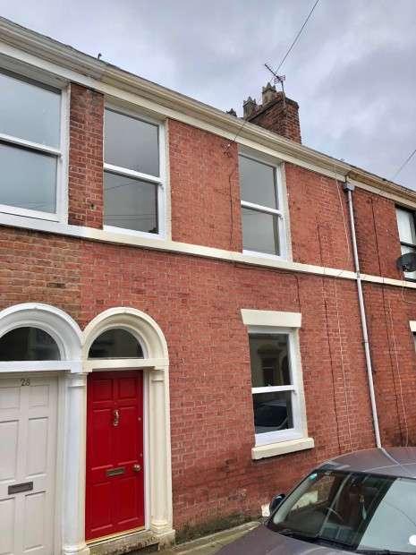 2 Bedrooms Terraced House for sale in Chaddock Street, Preston, PR1