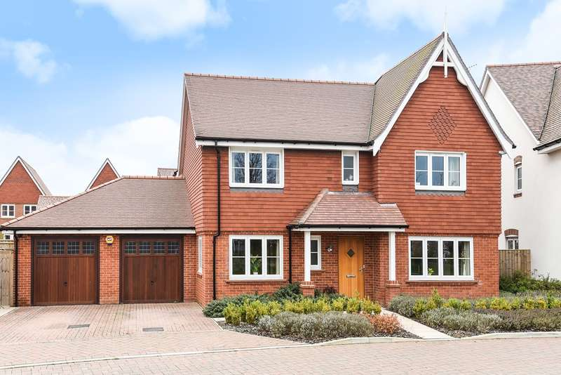 4 Bedrooms Detached House for sale in Braybrooke Crescent, WOKINGHAM, RG40