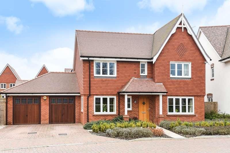 4 Bedrooms Detached House for sale in Braybrooke Crescent, WOKINGHAM, RG40
