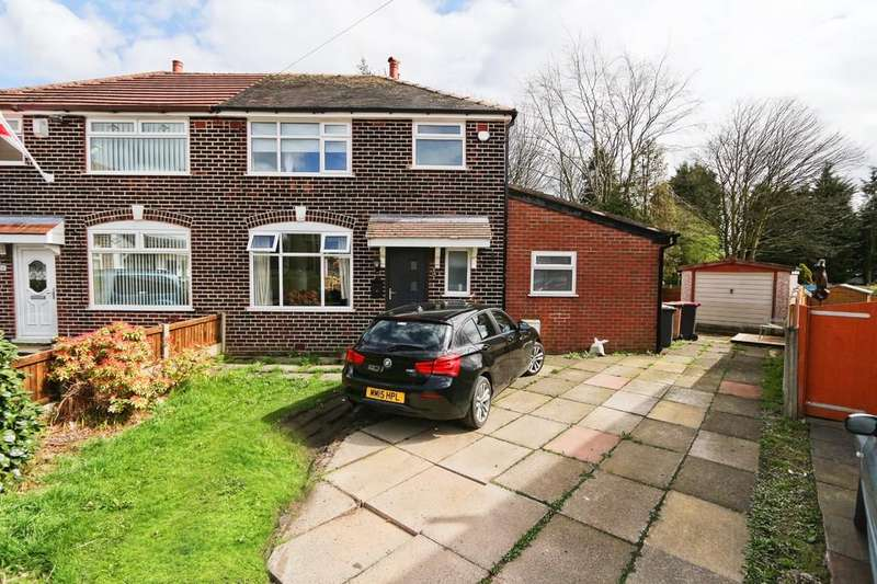 3 Bedrooms Semi Detached House for sale in 16 Leyland Avenue, Irlam