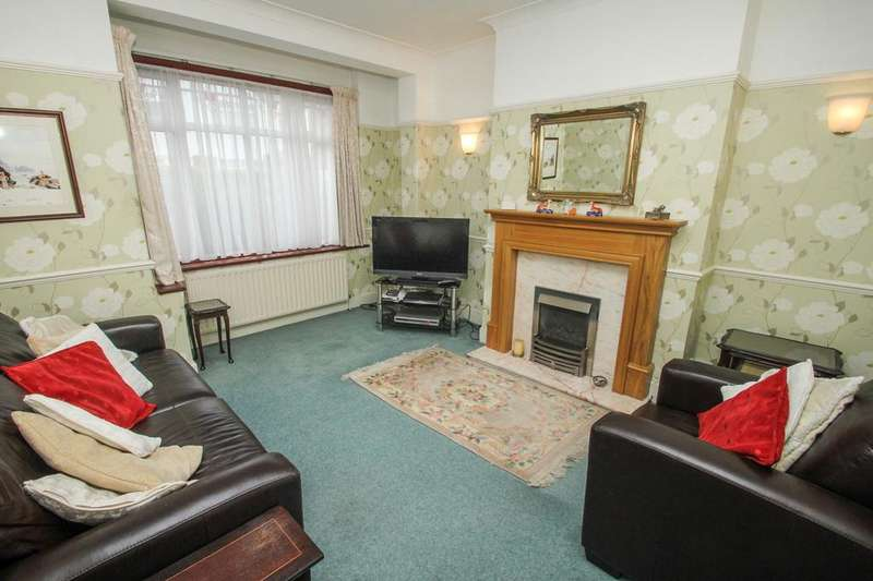 3 Bedrooms Terraced House for sale in Cavendish Drive, Leytonstone, London, E11