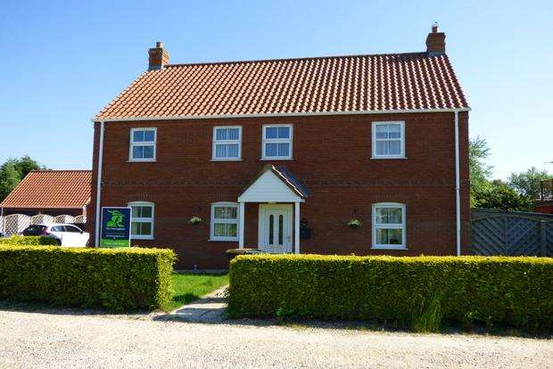 4 Bedrooms Detached House for sale in Sapphire Close, Orby, Skegness, PE24