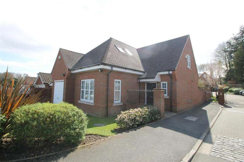 3 Bedrooms Detached House for sale in Tower View, Bushey Heath, Bushey