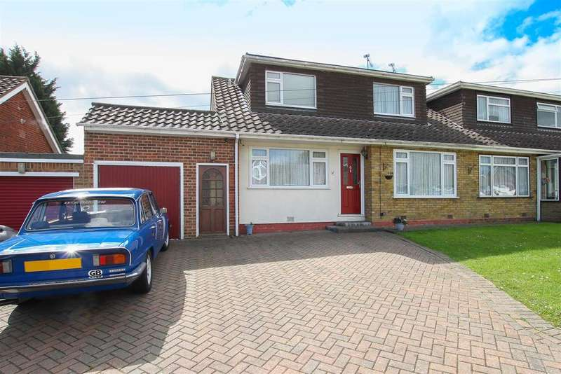 3 Bedrooms Semi Detached House for sale in Doddinghurst, Middle Green, Brentwood