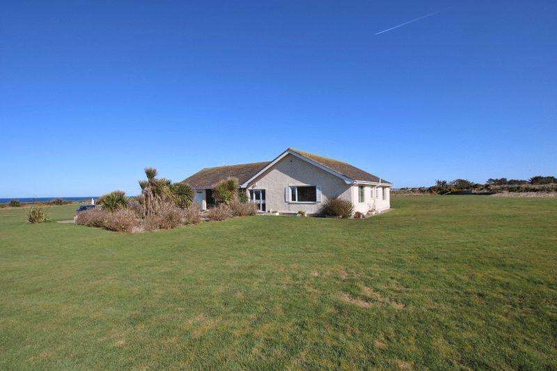 3 Bedrooms Detached Bungalow for sale in Shore Road, Ballaugh