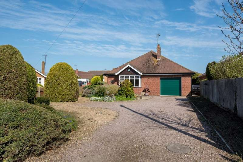 2 Bedrooms Detached Bungalow for sale in Woolram Wygate, Spalding, PE11