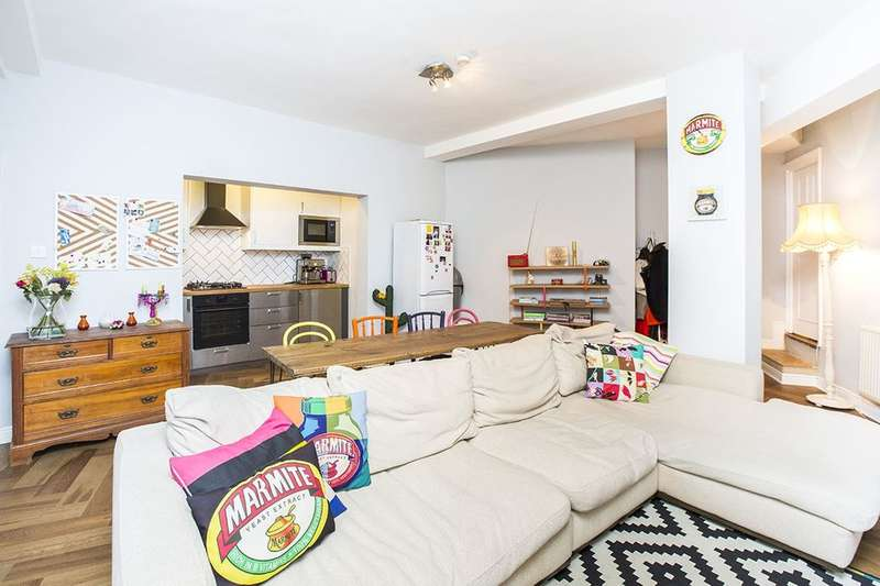 3 Bedrooms Flat for sale in Barking Road, London, E13