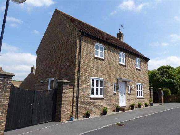 4 Bedrooms Property for sale in Aspen Road, Dorchester, Dorset