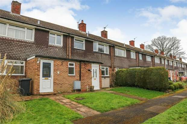 3 Bedrooms Terraced House for sale in Woodlands, Overton, Basingstoke, Hampshire