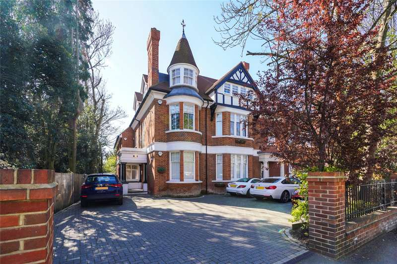 2 Bedrooms Flat for sale in Bridge Road, East Molesey, Surrey, KT8