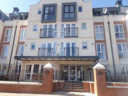 2 Bedrooms Flat for sale in Cwrt Gloddaeth, Gloddaeth Street, Llandudno, Conwy, LL30