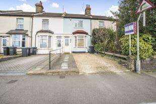 3 Bedrooms Terraced House for sale in Vale Road, Gravesend, Kent, England