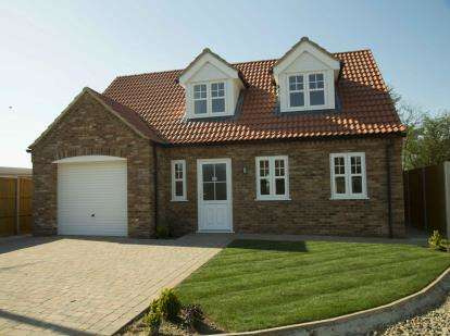 3 Bedrooms Bungalow for sale in Clenchwarton, Kings Lynn, Norfolk