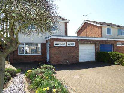3 Bedrooms Detached House for sale in South Wootton, Kings Lynn, Norfolk