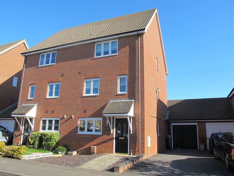 3 Bedrooms Town House for sale in Martinet Drive, Lee-On-The-Solent