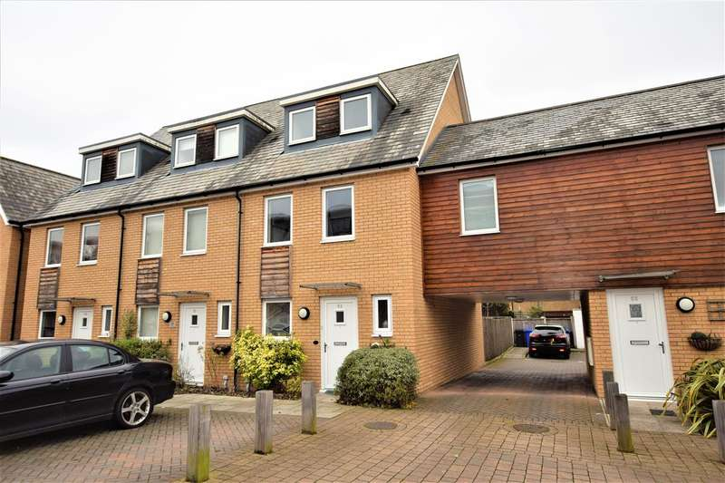 3 Bedrooms End Of Terrace House for sale in Saxton Close, Grays