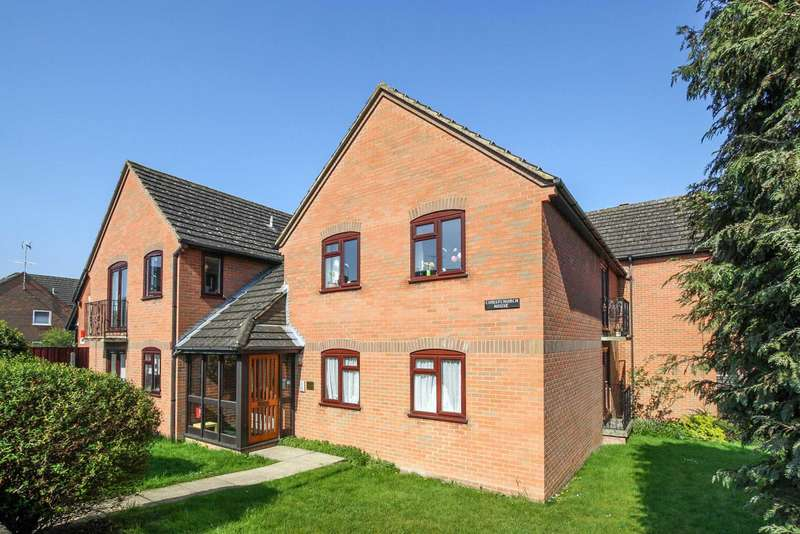 2 Bedrooms Flat for sale in Western Road, Tring