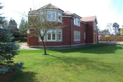 5 Bedrooms Detached House for rent in Middle Drive, Darras Hall, Ponteland