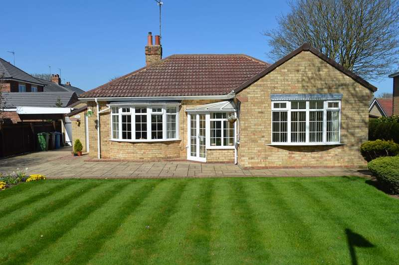 2 Bedrooms Detached Bungalow for sale in Football Green, Hornsea, HU18